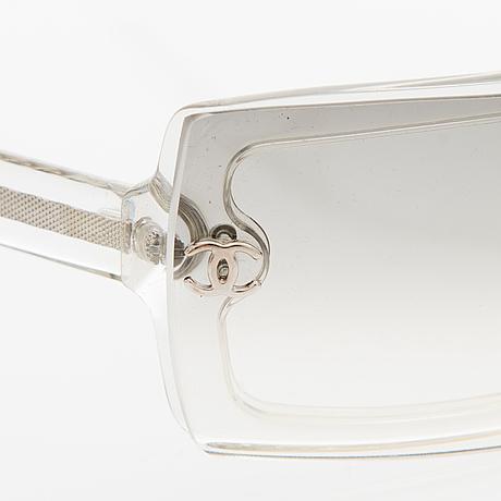 06c83791ecad7 A Pair of Model 5067 Sunglasses. - Bukowskis