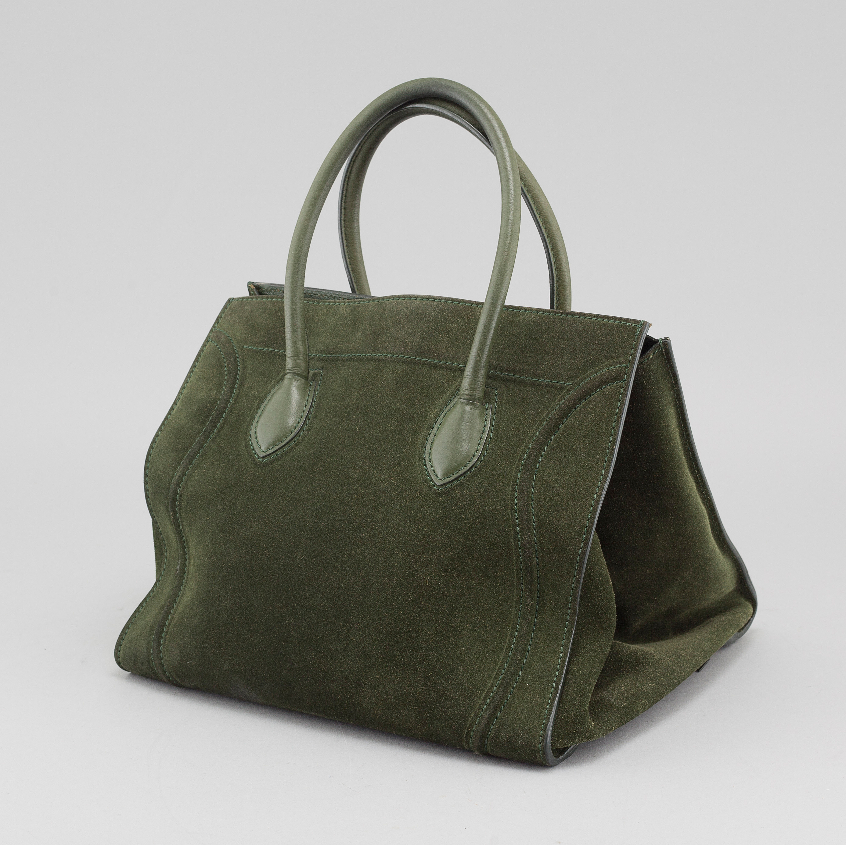 61cda3377 CÉLINE, A Dark Green Medium Phantom Tote bag. - Bukowskis