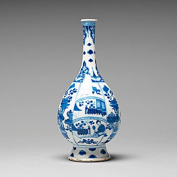 652. A blue and white vase, Qing dynasty, Kangxi (1662-1722).