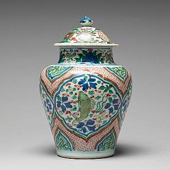 589. VAS med LOCK, porslin. Transition, 1600-tal, Shunzhi (1644-1661).