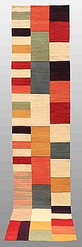 GALLERIMATTA, orientalisk, ca 384 x 79 cm.