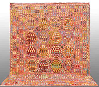 MATTA, Kelim orientalisk, ca 333 x 260 cm.