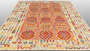 MATTA, Kelim orientalisk, ca 340 x 255 cm.