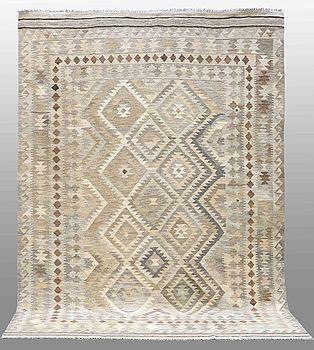 MATTA, Kelim, orientalisk, ca 303 x 206 cm.