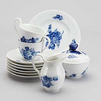 """KAFFESERVIS, 14 delar, """"Blå blomst"""", Royal Copenhagen."""