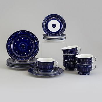 A second half of the 20th century 'Valencia' porcelain tea service by Ulla Procopé for Arabia, Finland.