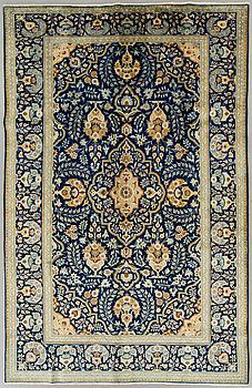 MATTA Keshan  old ca 320 x 200 cm.