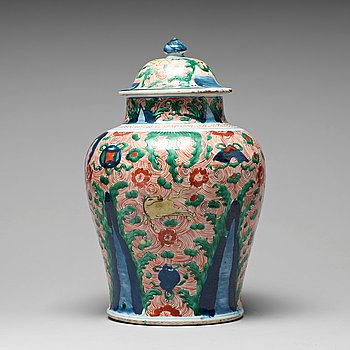 637. A Wucai Transitional jar with cover, 17th Century.
