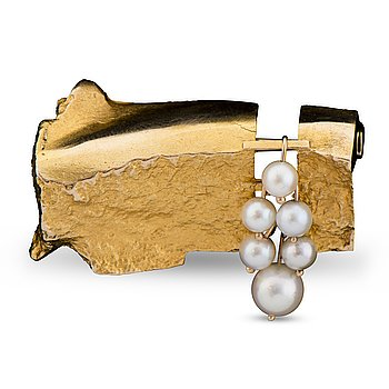 "117. Björn Weckström, BROOCH,  ""White Cluster"", cultured pearls, 14K gold. Lapponia 1966."