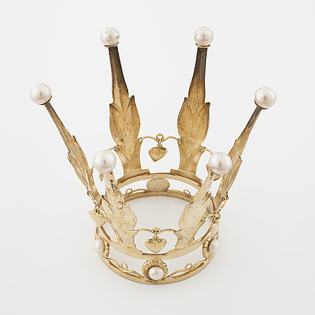A bridal crown set with cultured pearls by alton, falköping, 1948