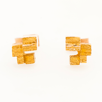 A PAIR OF BJÖRN WECKSTRÖM EARRINGS, 14K gold. Lapponia 1969.
