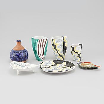 Seven Italian glazed ceramic pieces, 20th century.