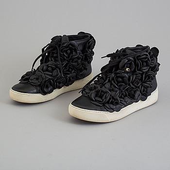 CHANEL, sneakers, storlek 36,5.