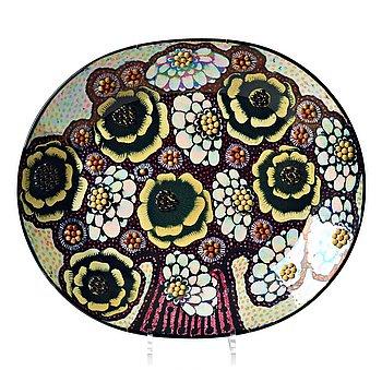 112. Birger Kaipiainen, a stoneware dish, Arabia, Finland 1970's.