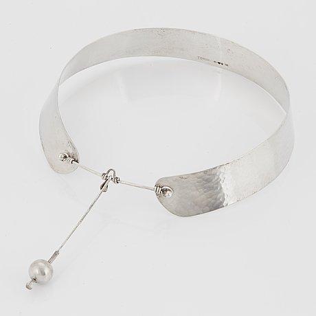 Vivianna torun bülow-hübe, a silver necklace, executed in her own wokshop, stockholm 1955.