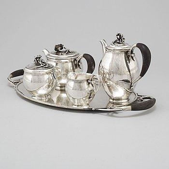 JÖRGEN JENSEN, a four pcs silver tea and coffee service with tray, Nordiska Kompaniet, Stockholm 1929.