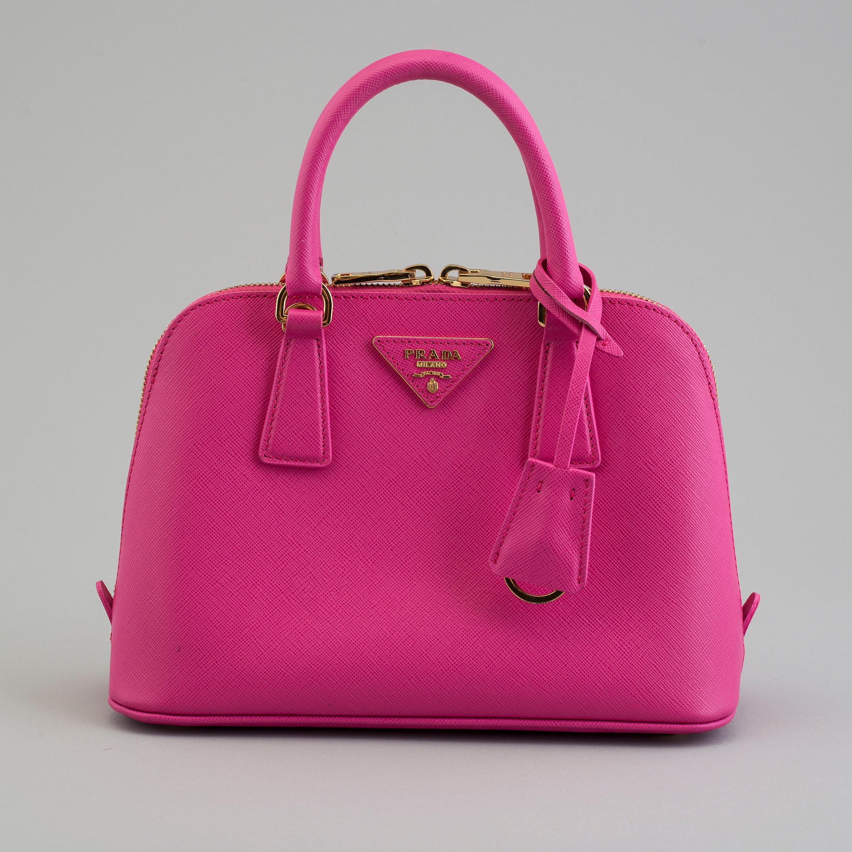 7e5d0e2813a4fe A bag by Prada