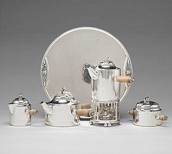 169. Georg Jensen, a set of five pieces tea and coffee service with a tray, Argenterie d'Art de Georg Jensen, Copenhagen, ca 1930-38.