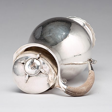 Georg jensen, a 950/1000 chocolate pot, paris 1925-26, design nr 15.