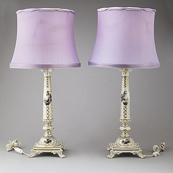 A pair of Dresden porcelaine lamps, 20th century.