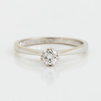 RING, med briljantslipad diamant 0.22 ct enligt gravyr.
