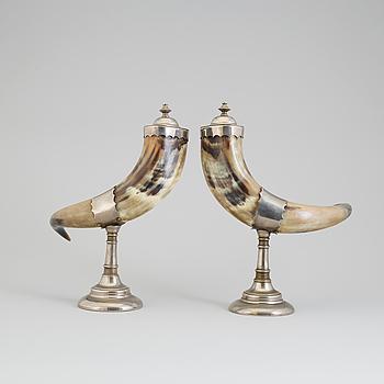 DRYCKESHORN, ett par, sent 1800-tal.