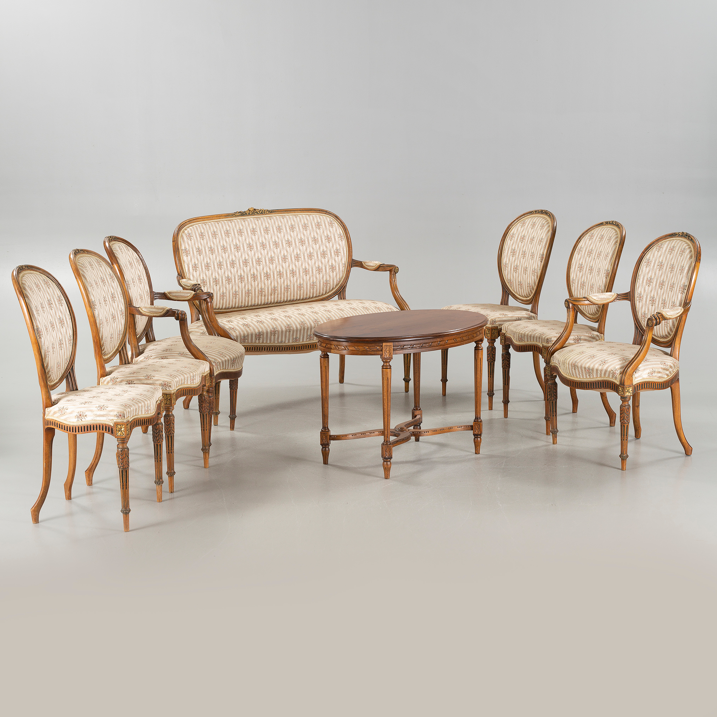 A Set Of Eigth Louis XVI Style Furniture, First Half Of The 20th Centurty.    Bukowskis