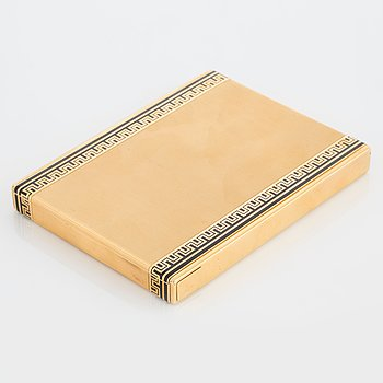 A Cartier cigarette case in 18K gold with black enamel. dimensions 10.7 X 8.2 X 1.2 cm, weight 205 g. Signed Carti...