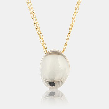 1019. An 18K gold H Stern pendant set with a cabochon-cut rock crystal.