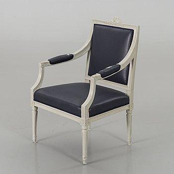 KARMSTOL, gustaviansk, etikettmärkt Flodin samt daterad 1777 (?) Carl Fredrik Flodin (stolmakare i Stockholm 1776-95).