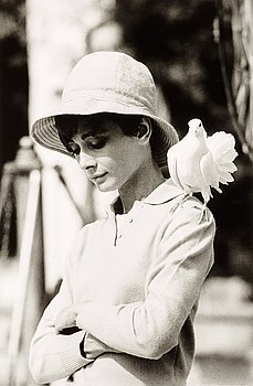 """218. Terry O'Neill, """"Audrey Hepburn with dove, St Tropez, 1967""""."""