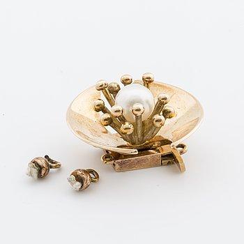 OLE LYNGGAARD, LÅS t 2-radigt collier, 14K guld m en odlad pärla.