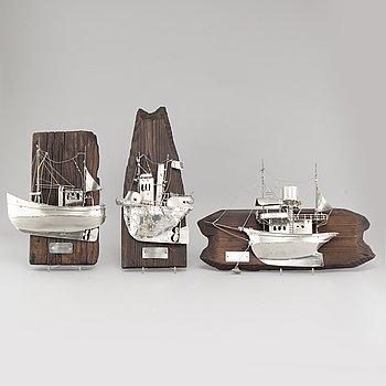 URBAN STRÖM, halvbåtsmodeller, 3 st, signerade och daterade -77 samt -86 och 87.