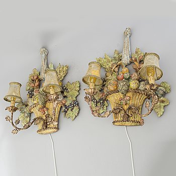 A pair of first half of the 20th century wall lamps.