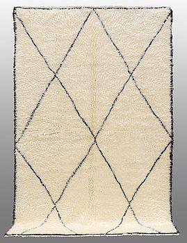 MATTA, Marocko, 260 x 170 cm.
