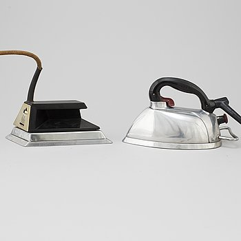 Two 1940/50's irons from USA and Czechoslovakia.