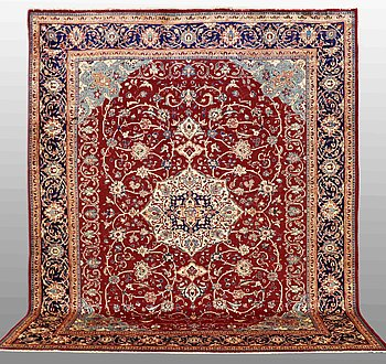 A carpet, Mahal, around  403 x 316 cm.