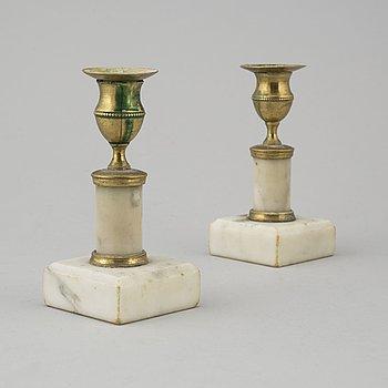 LJUSSTAKAR, ett par, sengustavianska, tidigt 1800-tal.