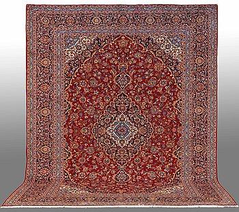 A carpet, Kashan, around 407 x 310 cm.