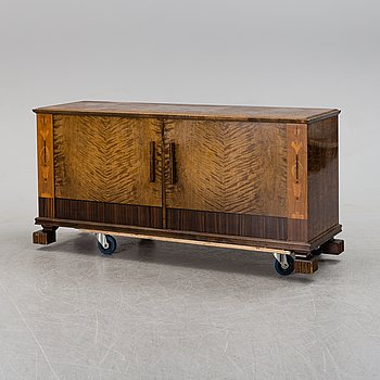 A 1930´s sideboard.