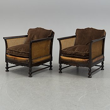 A pair of easy chairs, first half of the 20th century.
