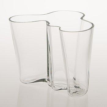 ALVAR AALTO, VAS, 'Savoy', glas, signerad Alvar Aalto 3030, 1900-talets andra hälft.