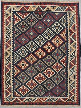 MATTA, orientalisk kelim, ca 204 x 154 cm.