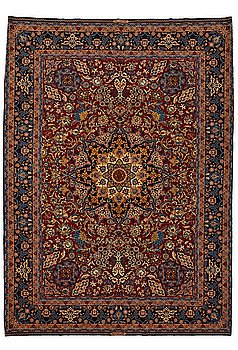 267. A CARPET, an old Isfahan, ca 347 x 252 cm (+ the ends have 3 and 2,5 cm flat weave).