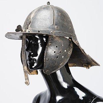 RYTTARHJÄLM, Zischägge, stål, mellan-Europa, 1600-talets första hälft.