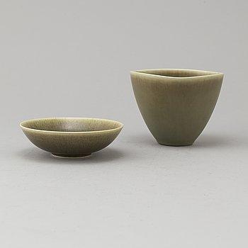 Two stoneware bowls by Per Linnemann-Schmidt from Palshus, Denmark.