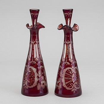 KARAFFER, glas, 2 st, 1900-talets första hälft.