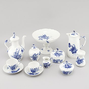 """42 pieces of tableware called """"Blå Blomst"""" by Royal Copenhagen, Denmark, during 20th century."""