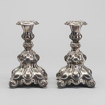 LJUSSTAKAR, ett par, silver, svenska importstämplar, 1900-tal.