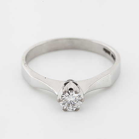 A brilliant cut diamond ring by jarl sandin, göteborg, 1980